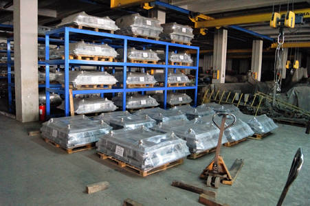 Warehouse of molds for concrete block making machine